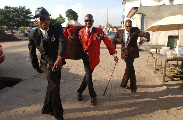 Congolese dandy's, project Sapeur op 'Whatsgood'