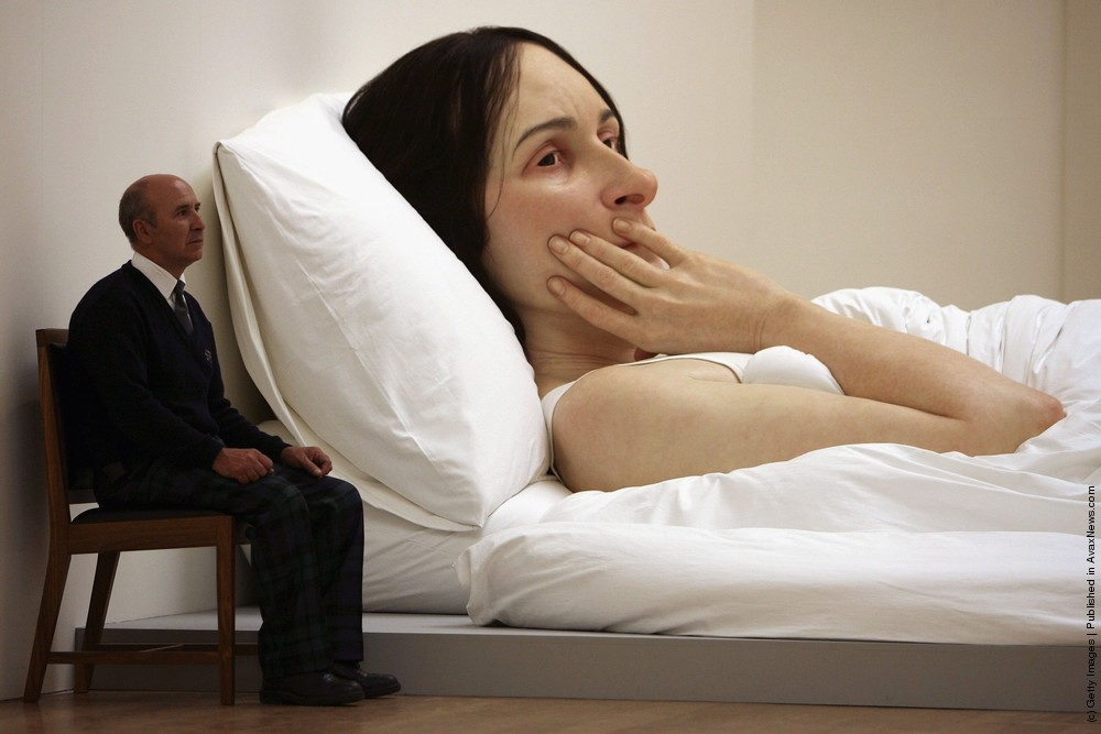Ron Mueck, In Bed, 2005