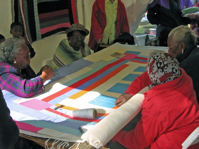 Women of Gee's Bend quilting, 2005 *4