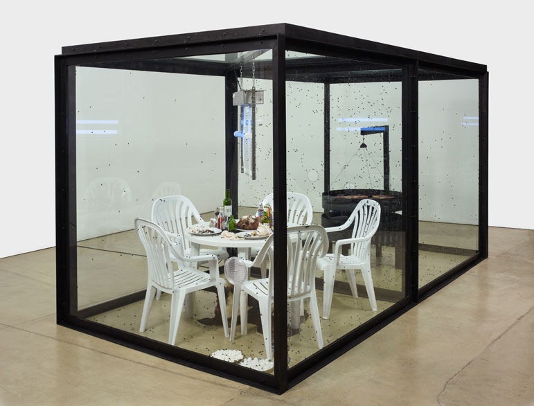 Damien Hirst - Let's Eat Outdoors