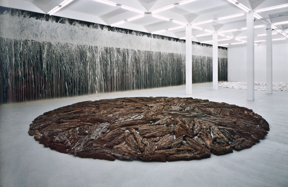 Richard Long, Circles and mud drawing, 1993